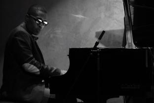 Richard D. Johnson - piano