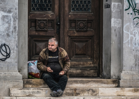 There are no official figures on homeless people in Romania. The last study on homelessness was conducted in 2004 by the Research Institute for Quality of Life and the National Institute of Statistics, which estimated that the number of roofless people in Romania at 14,000-15,000 persons maximum.