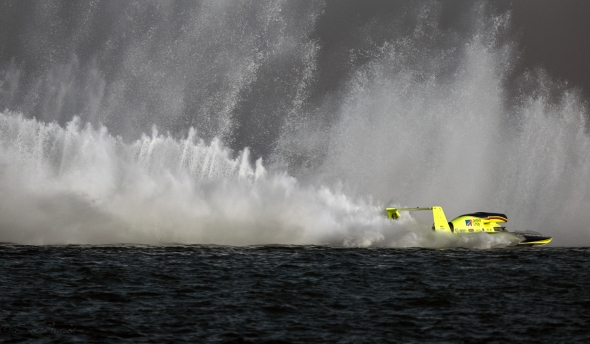 Boats racing at Oryx Cup Uim World Championship